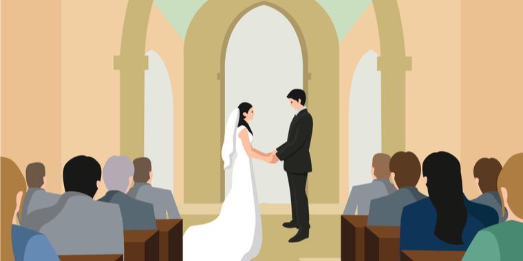 結婚式の平均相場は355万円