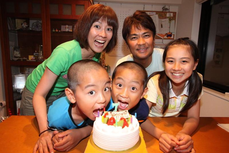 誕生日と結婚祝いは家族で祝う若田部家|若田部健一さん・若田部佳代さん・若田部遥さん