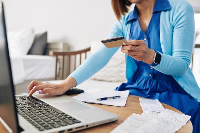 個人事業主・経営者必見!法人カードの審査基準&審査に通りやすくなる3つのポイント